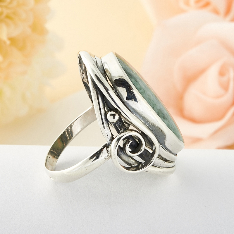 Кольцо везувиан Россия (серебро)  размер 19,5