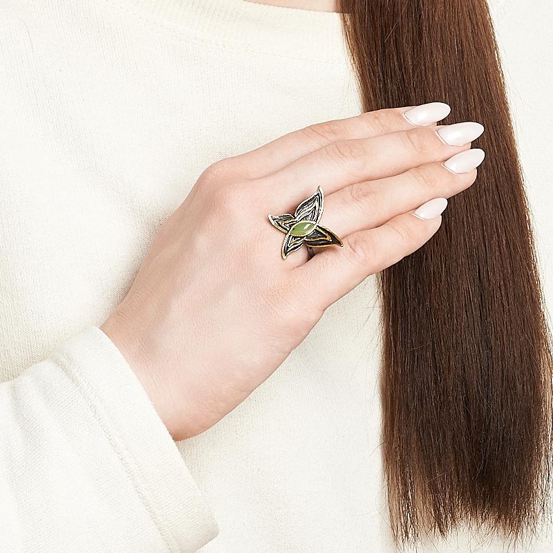 Кольцо нефрит зеленый Россия (серебро 925 пр., позолота) размер 21,5