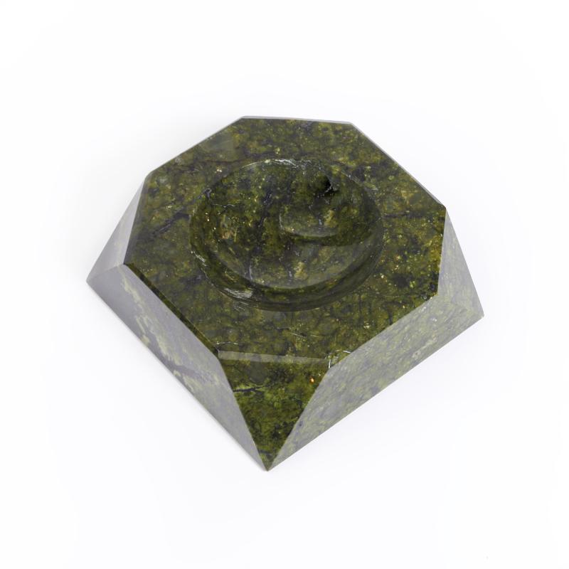 Пепельница змеевик  9,5х9,5 см