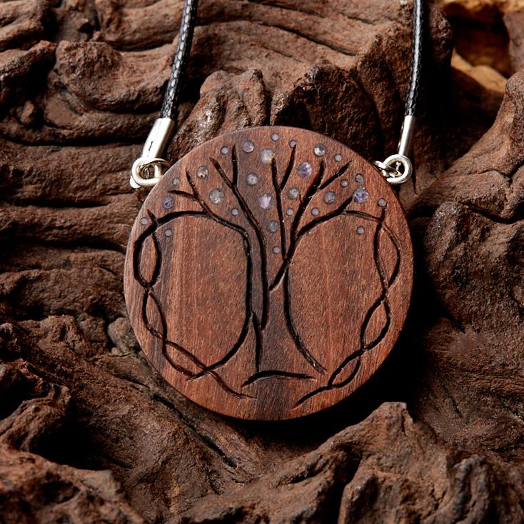 Кулон чароит  круг (дерево)