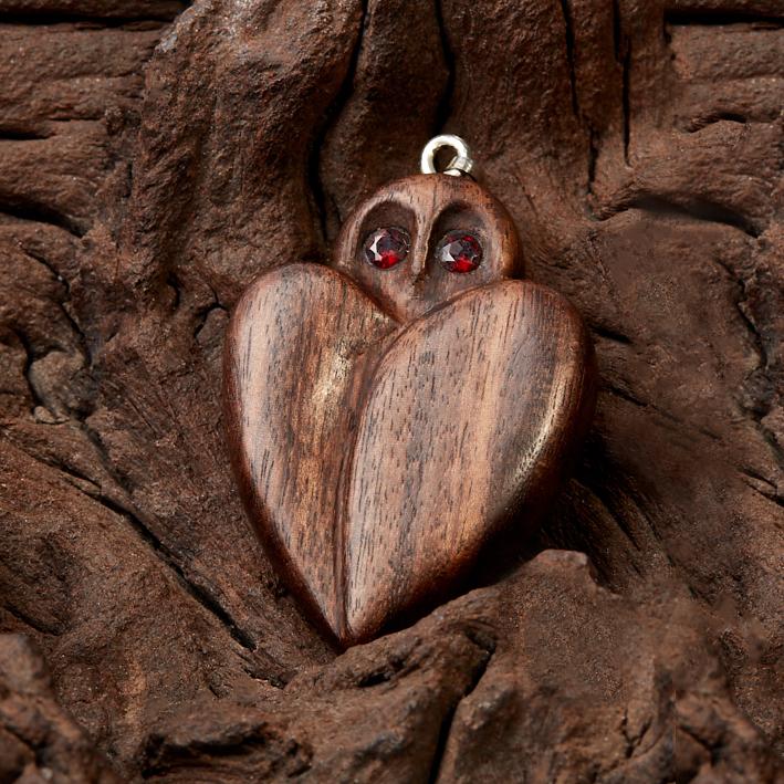 Кулон гранат огранка (дерево)
