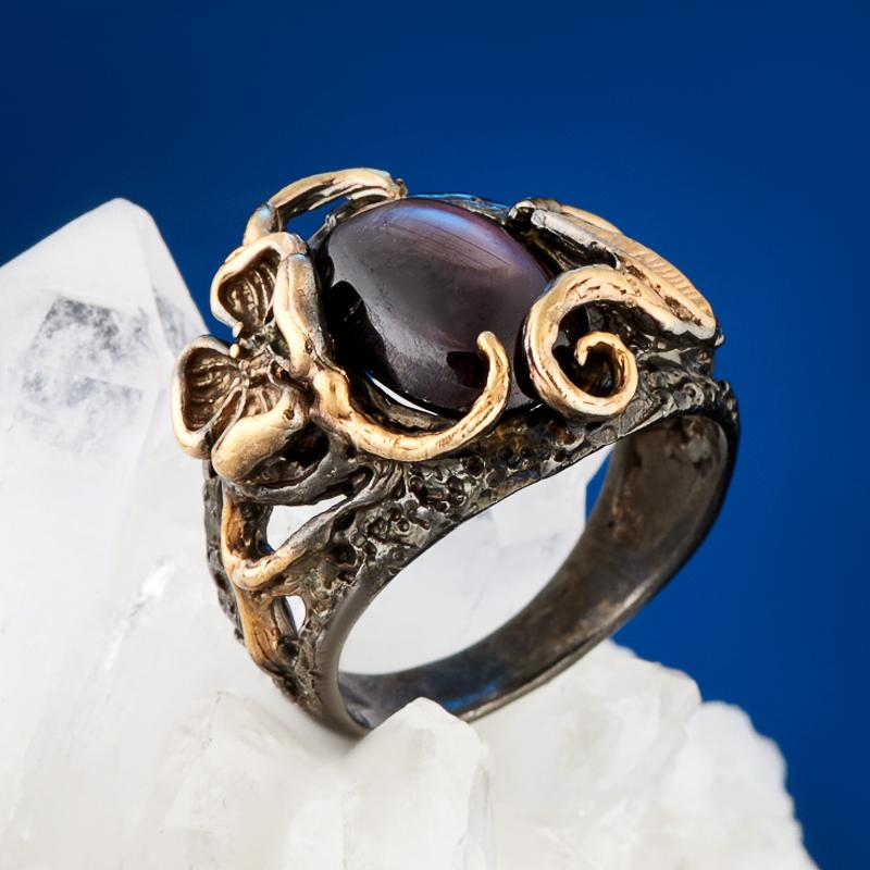 Кольцо корунд звездчатый рубиновый (серебро 925 пр., позолота) размер 17 цена и фото