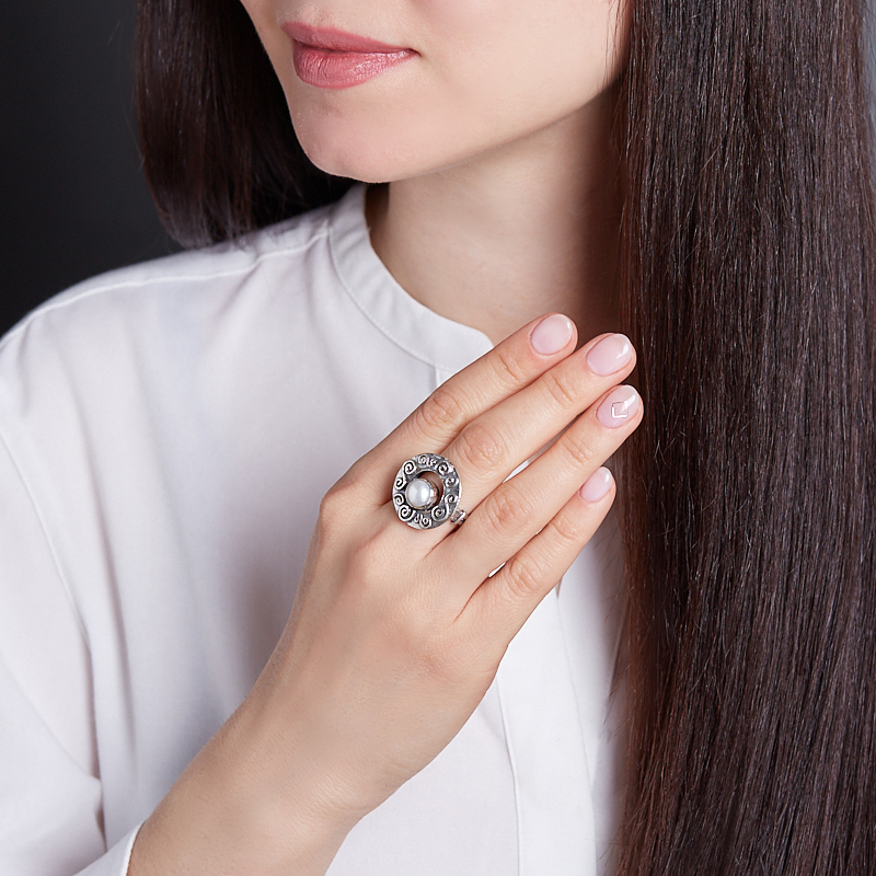 Кольцо жемчуг белый Гонконг (серебро 925 пр.) размер 19