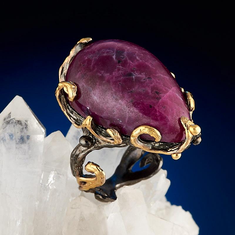 Кольцо корунд рубиновый (серебро 925 пр., позолота) размер 16,5