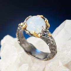 Кольцо опал благородный белый Эфиопия (серебро 925 пр., позолота) размер 18