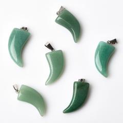 Кулон авантюрин зеленый Зимбабве клык (биж. сплав) 3,5-4 см