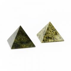 Пирамида змеевик Россия 5 см