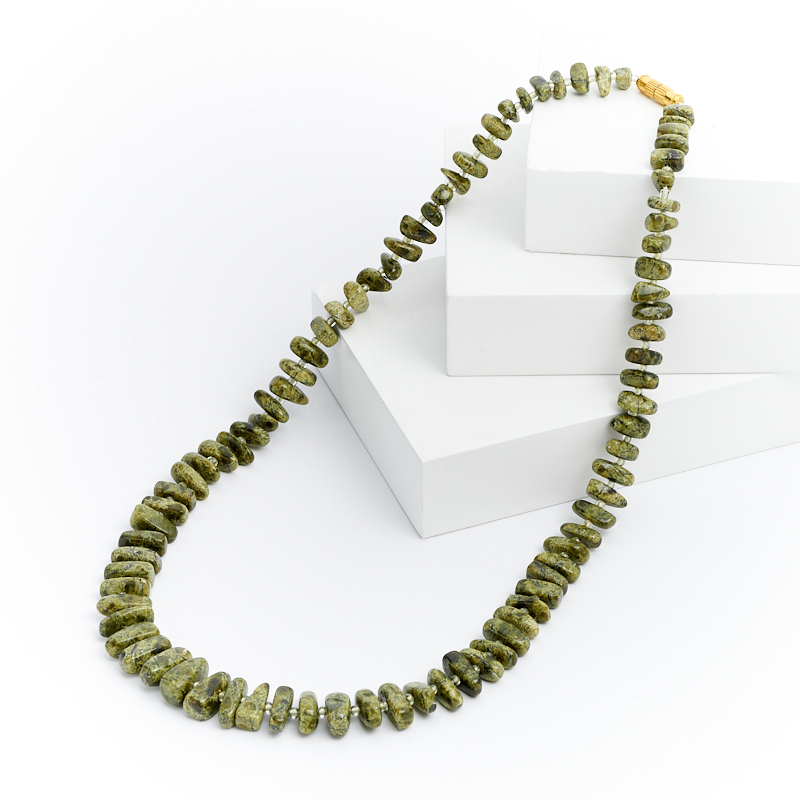 Бусы змеевик  51 см (биж. сплав)