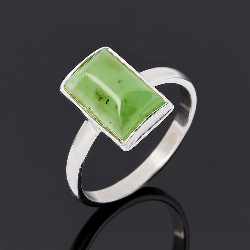 Кольцо нефрит зеленый Россия (серебро 925 пр. родир. бел.) размер 22
