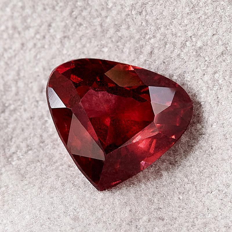 Огранка гранат альмандин сердце 8*9 мм огранка гранат альмандин сердце 5 мм