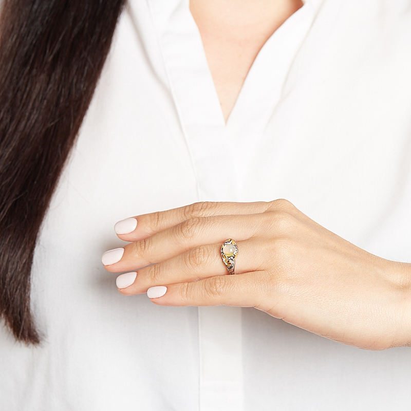 Кольцо опал благородный желтый Эфиопия (серебро 925 пр. позолота, родир. сер.) размер 18,5