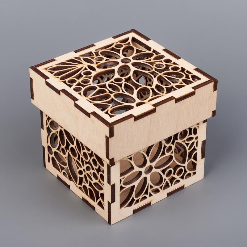 Шкатулка для хранения камней / украшений 10х10х9,5 см