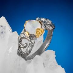 Кольцо лунный камень Индия (серебро 925 пр. позолота, родир. сер.) размер 18