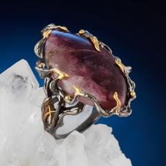Кольцо турмалин розовый (рубеллит) Россия (серебро 925 пр. позолота, родир. черн.) размер 18