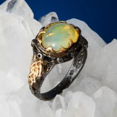Кольцо опал благородный желтый Эфиопия (серебро 925 пр. позолота, родир. черн.) размер 17,5