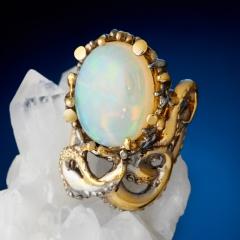 Кольцо опал благородный белый Эфиопия (серебро 925 пр. позолота, родир. черн.) размер 18,5