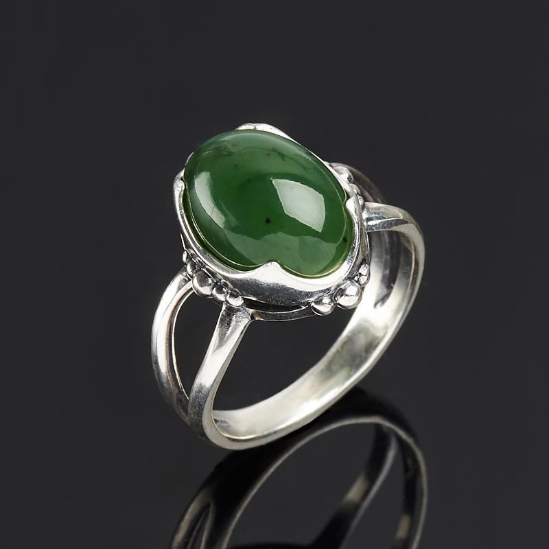Кольцо нефрит зеленый  (серебро 925 пр. оксидир.) размер 17,5