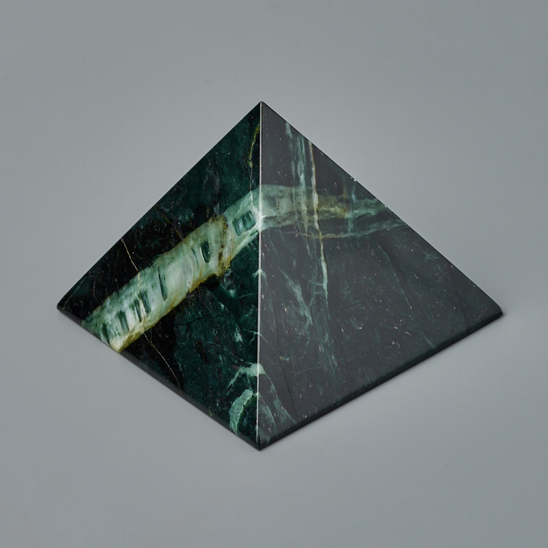 Пирамида змеевик 8 см цена
