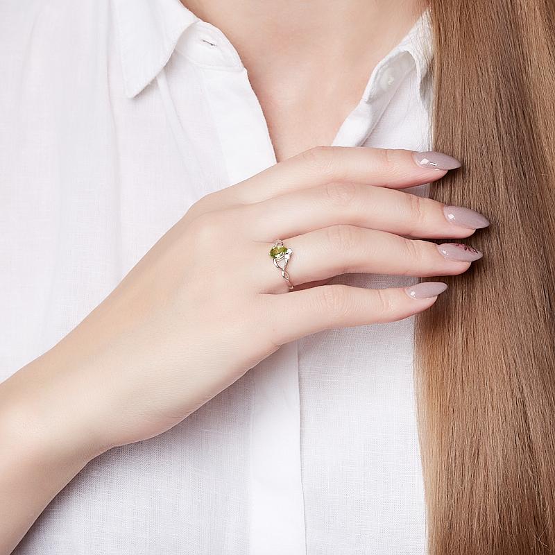 Кольцо хризолит США (серебро 925 пр. родир. бел.) огранка размер 17,5