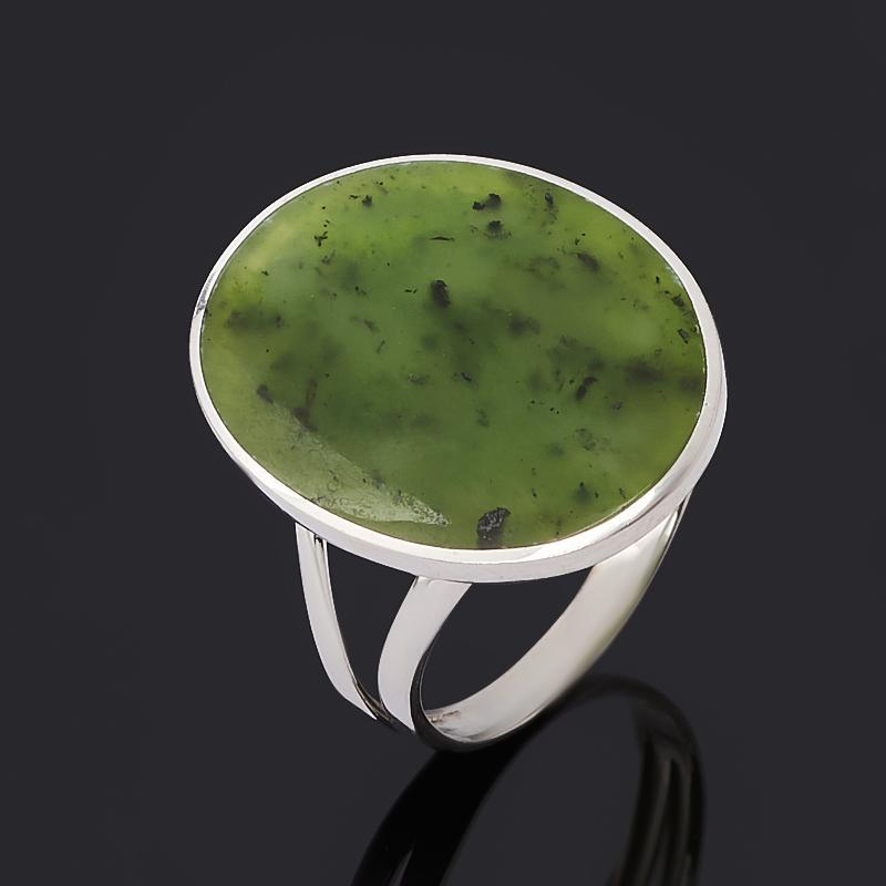 Кольцо нефрит зеленый Россия (серебро 925 пр. родир. бел.) размер 21,5