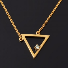 Кулон топаз голубой Бразилия (серебро 925 пр. позолота) треугольник огранка