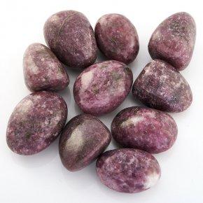 Галтовка слюда (лепидолит) Бразилия (2,5-3 см) (1 шт)