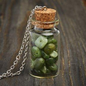 Кулон нефрит зеленый Россия (биж. сплав) бутылочка 5 см