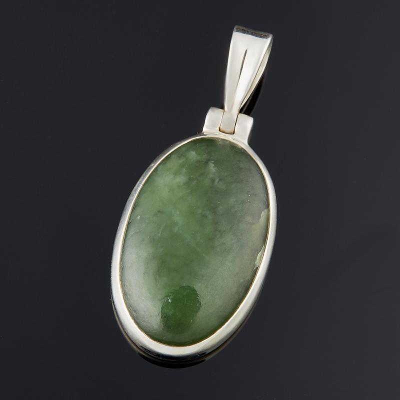 Кулон нефрит зеленый (серебро 925 пр.) овал