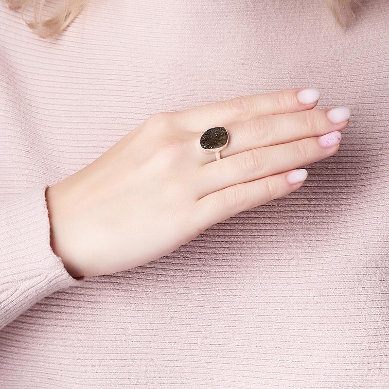 Кольцо молдавит Чехия (серебро 925 пр.) размер 17,5