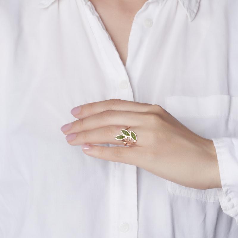 Кольцо нефрит зеленый Россия (серебро 925 пр. позолота) размер 17