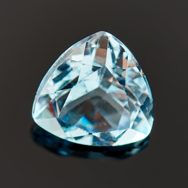 Огранка топаз голубой  триллиант 7*7*7 мм