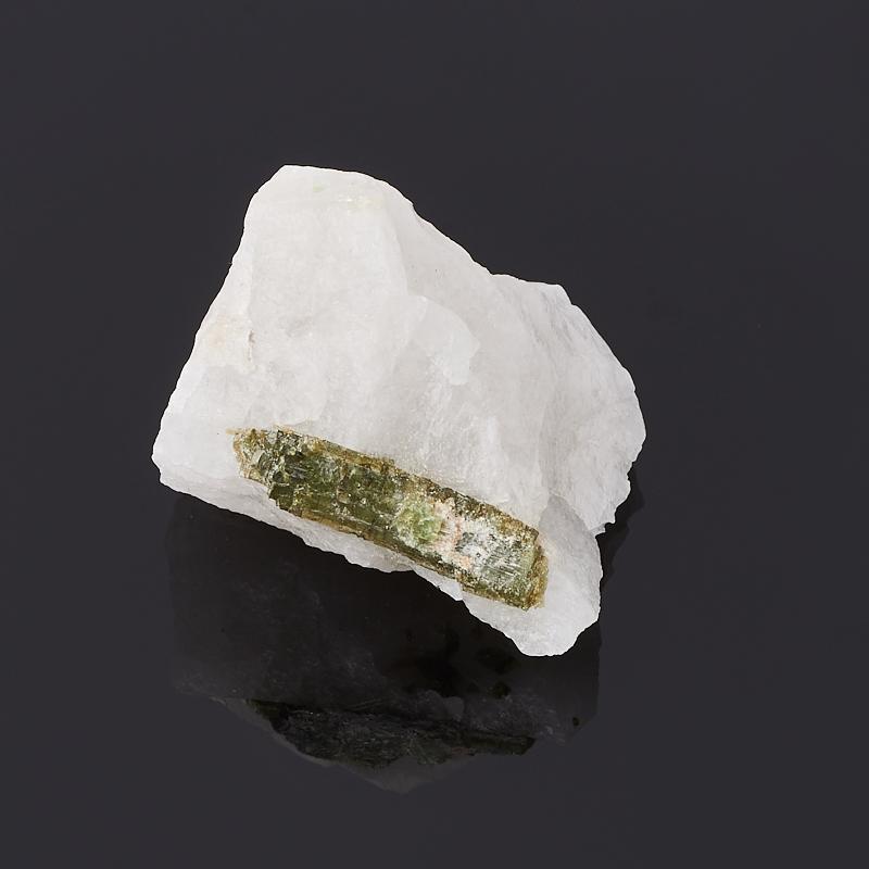 Образец турмалин зеленый (верделит) (в породе) S (4-7 см)