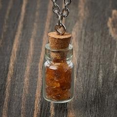 Кулон янтарь Россия (биж. сплав) бутылочка 2,5 см