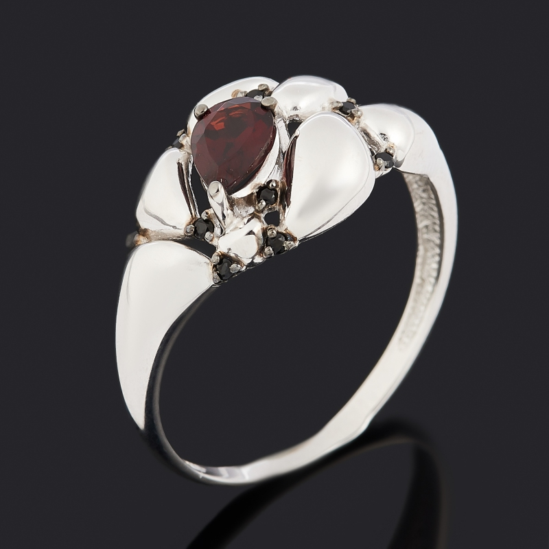 Кольцо гранат альмандин (серебро 925 пр. родир. бел., родир. черн.) огранка размер 17,5 фото