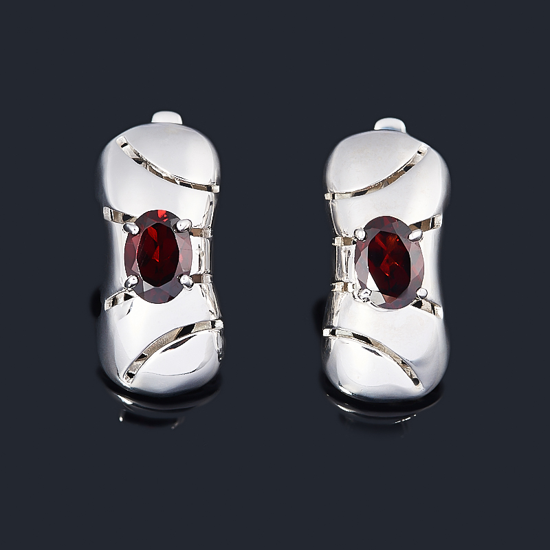 Серьги гранат альмандин (серебро 925 пр. родир. бел.) огранка