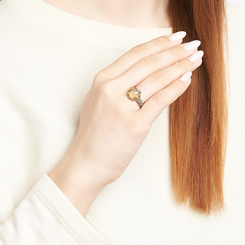 Кольцо опал благородный желтый Эфиопия (серебро 925 пр. позолота, родир. сер.) размер 17