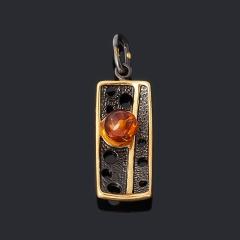 Кулон янтарь Россия (серебро 925 пр. позолота, родир. черн.)