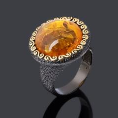 Кольцо янтарь пресс Россия (серебро 925 пр. позолота, родир. черн.) размер 18,5