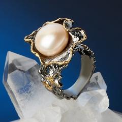 Кольцо жемчуг белый Гонконг (серебро 925 пр. позолота, родир. сер.) размер 18