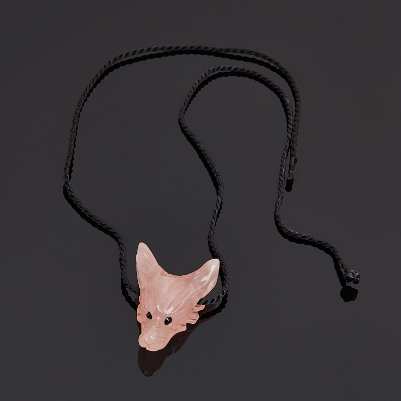 Кулон волк розовый кварц Мадагаскар (текстиль) 4 см