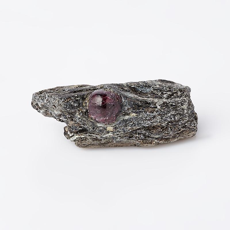 Образец гранат альмандин (в породе) S (4-7 см) фото