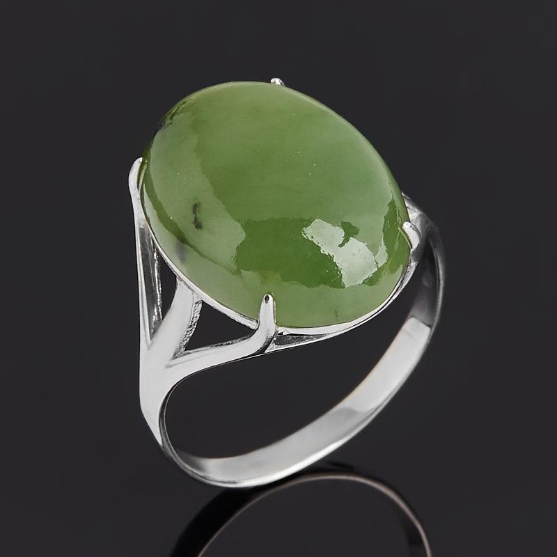 Кольцо нефрит зеленый Россия (серебро 925 пр. родир. бел.) размер 16