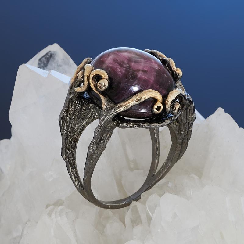 Кольцо корунд рубиновый звездчатый (серебро 925 пр. позолота, родир. черн.) размер 17
