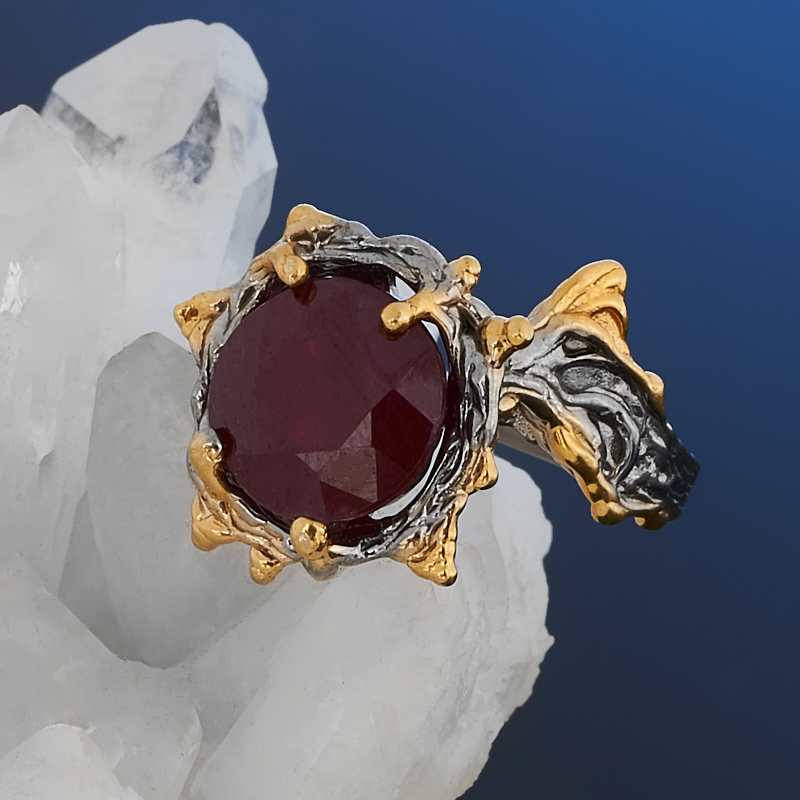 Кольцо корунд рубиновый Нигерия (серебро 925 пр. позолота, родир. сер.) огранка размер 17,5