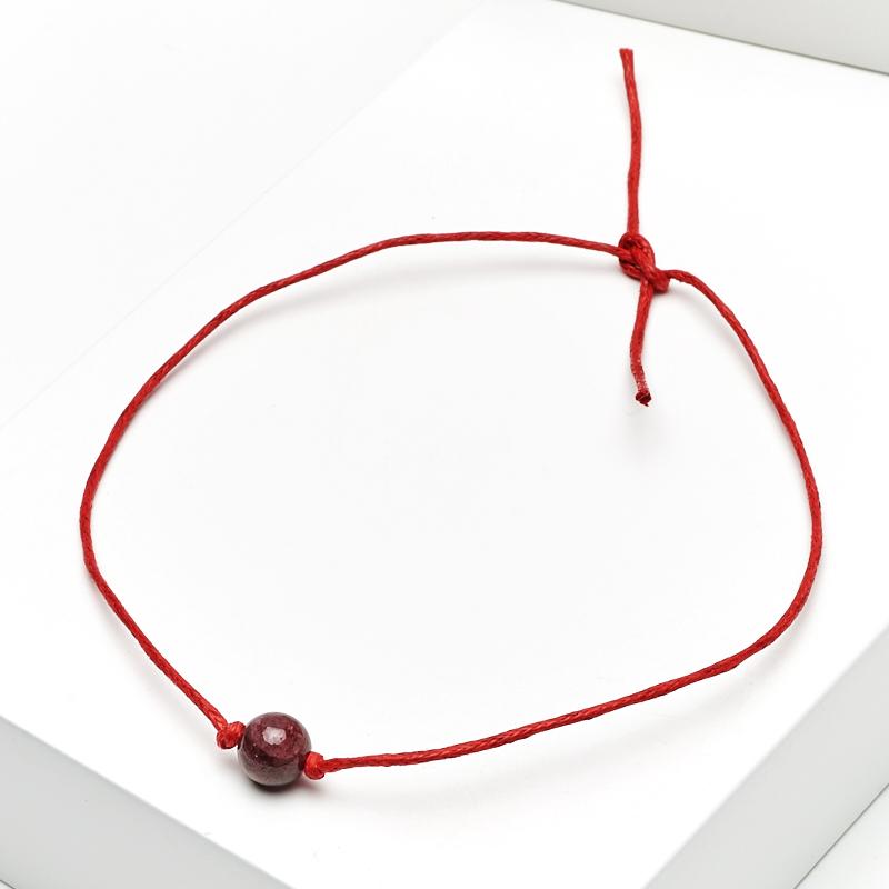 Браслет гранат альмандин (текстиль) красная нить На любовь 5 мм 28 см (регулируемый)