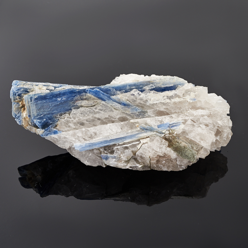 Образец кианит синий (в породе) L (12-16 см)