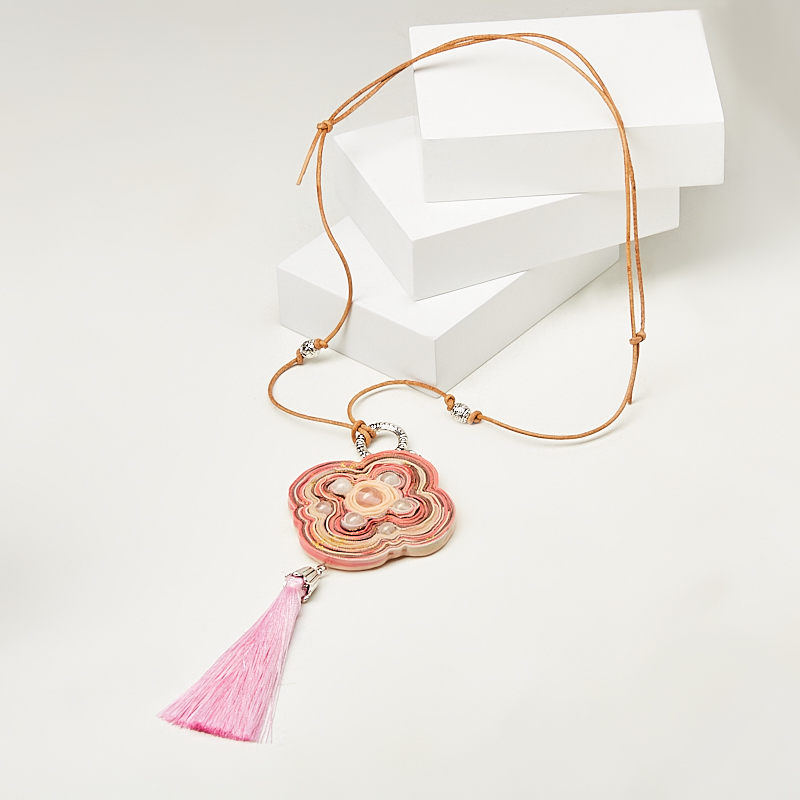 Кулон розовый кварц (биж. сплав, глина полимерная, кожа натуральная)