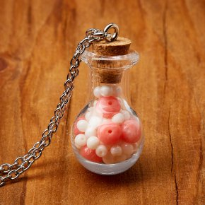 Кулон коралл белый, розовый Индонезия (биж. сплав, стекло) бутылочка 3 см