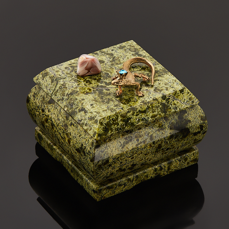 Шкатулка змеевик Россия 7х7х7,5 см