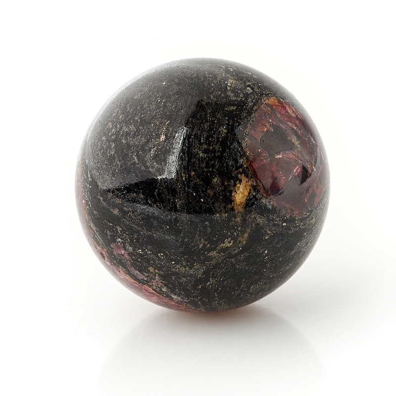 Шар гранат альмандин 4 см